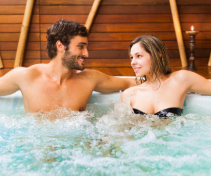 Hot tub to reduce neck pain