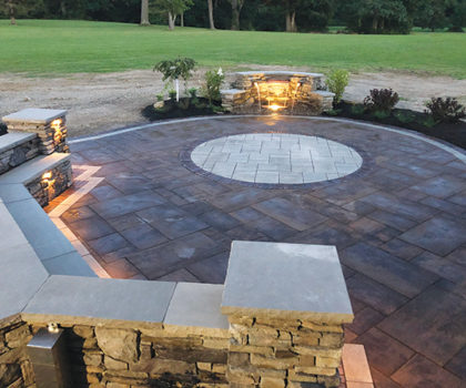 With patios, fireplaces, kitchens, splash pads for the kids, and more, the team at Williams Landscaping & Pavers can help you and your family enjoy the great outdoors, every day