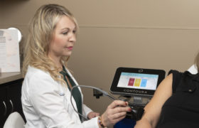 Smith Cosmetic Laser Surgery 4 Dr With Patient
